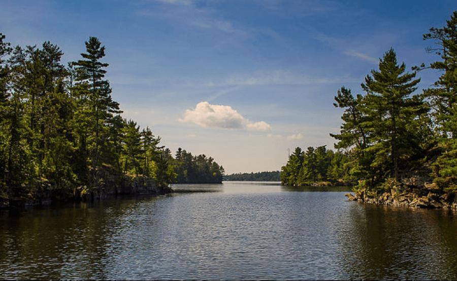 Preparing for a rainy lake houseboats vacation blog for Rainy lake fishing