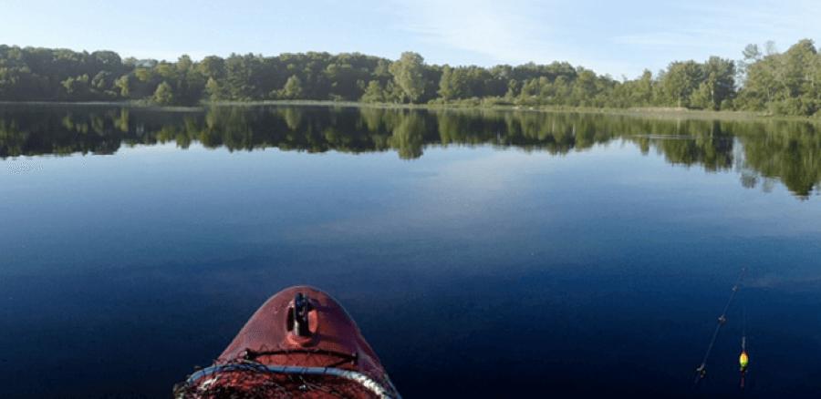 canoeing-in-rainy-lake